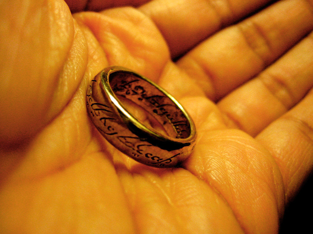 pierścień by wszystkimi rządzić